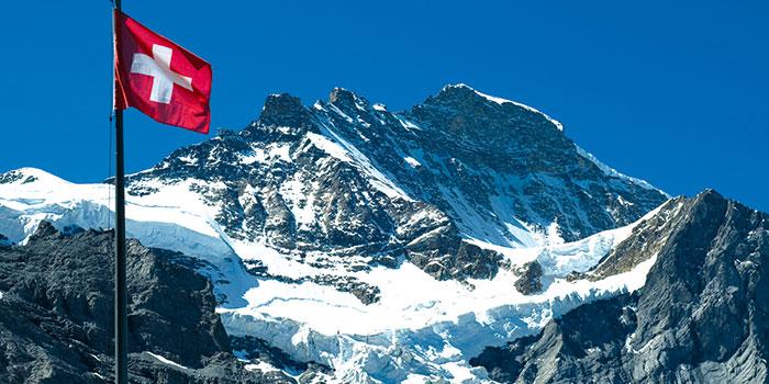 Jungfraujoch geležinkeliu – pas baltąją Alpių nuotaką Šveicarijoje