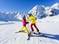 Slidinėjimas Italijoje: kerinčios Alpės, įspūdingas après-ski ir nesibaigiančios pramogos