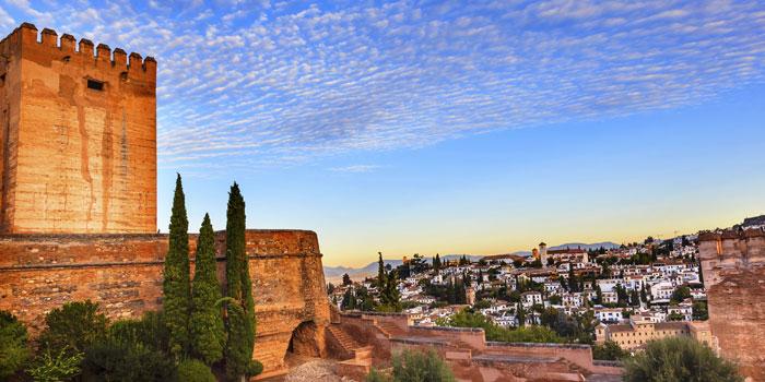 Pirmyn lėktuvu, atgal autobusu: Lisabonos spindesys, Ispanijos karštis ir mažylis Gibraltaras
