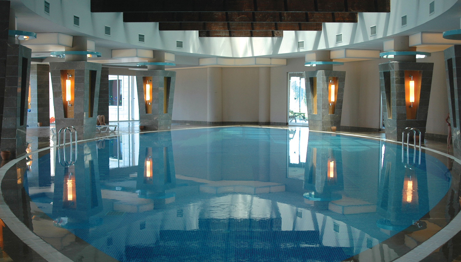 Long beach resort spa hotel antalya turkey novaturas for Pool show in long beach