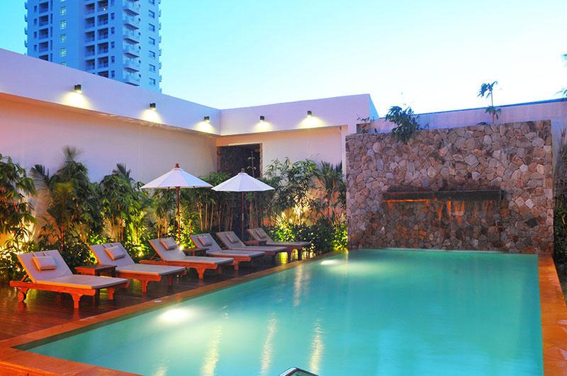 Bamboo House Karon hotell (Phuket, Tai)