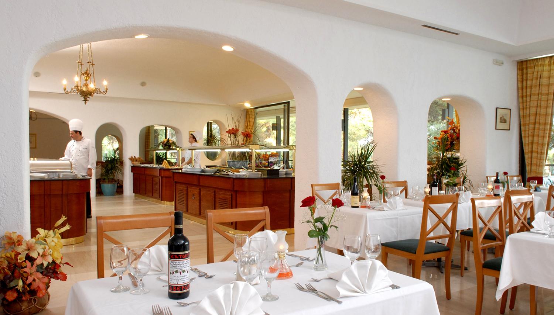 Corfu Holiday Palace hotell (Corfu, Kreeka)
