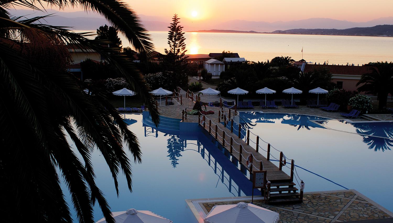 Roda Beach Resort & SPA viesnīca (Korfu, Grieķija)