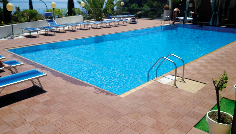 Piscina Per Terrazzo.Villa Esperia Hotel Catania Italy Novaturas