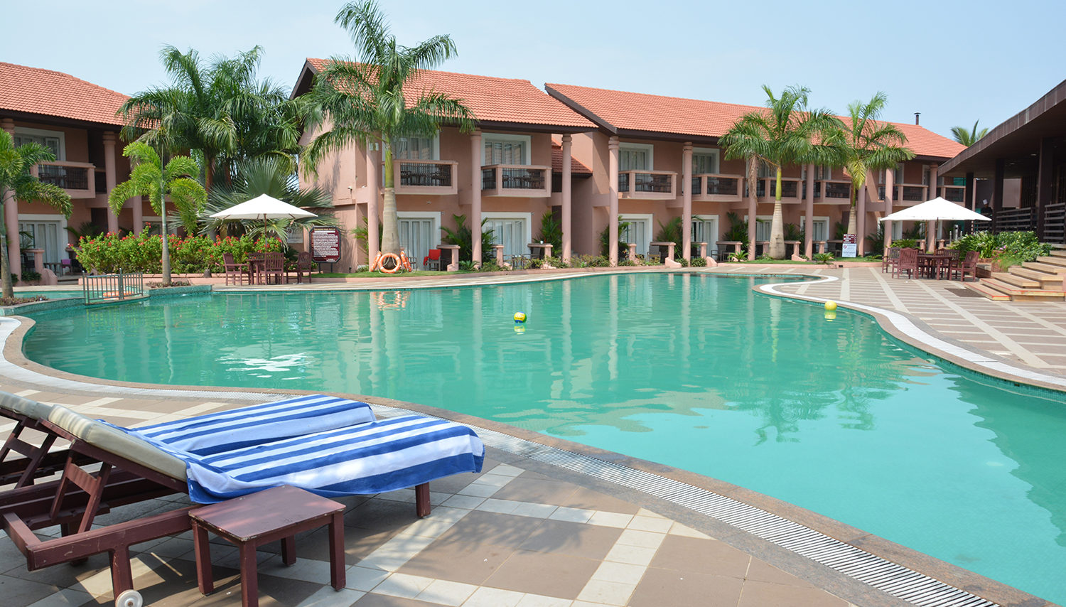 The Golden Crown Hotel & Spa viesnīca (Goa, Indija)