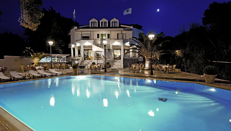 Poseidon hotell (Patra, Kreeka)