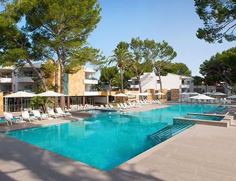 Iberostar playa de muro village vie butis maljorka for Show pool status pgpool