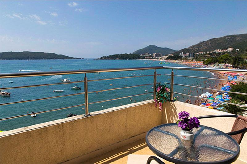 Obala+ viesnīca (Tivat, Melnkalne-Horvātija)