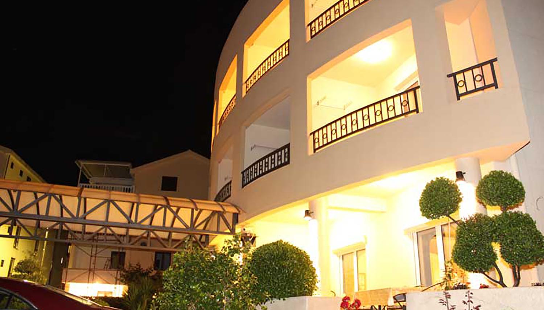Vila Mirenza hotell (Tivat, Montenegro – Horvaatia)