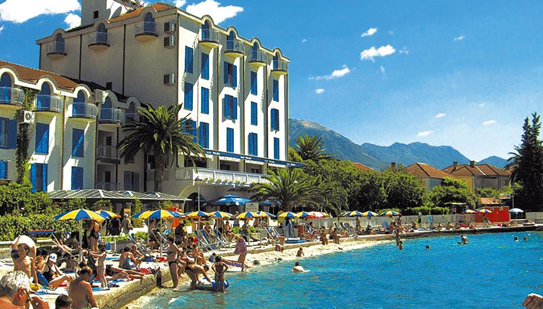 Palma viesnīca (Tivat, Melnkalne-Horvātija)